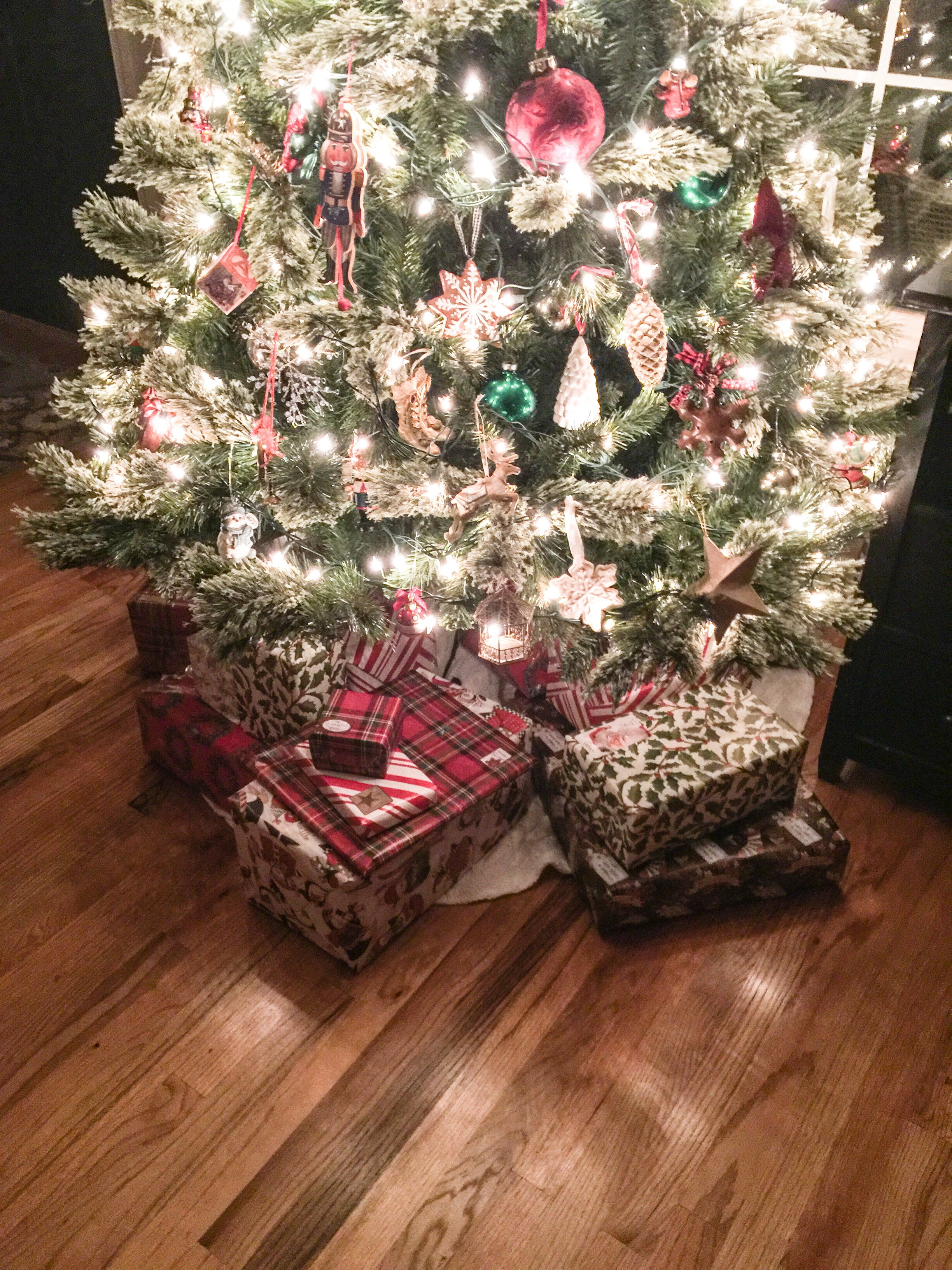 On The Eve Of Christmas Eve………….